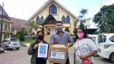 Photo of Kontribusi di Tengah Pandemi, Hand Sanitizer untuk 990 KK dan Vitamin bagi 200 Lansia