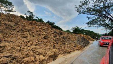 Photo of Sebulan Sudah Longsor Menimbun Setengah Jalan Samarinda Seberang-Palaran