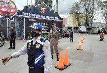 Photo of Sekelam-kelamnya Warga Tertahan Mudik, Lebih Kelam Lagi Satpol PP