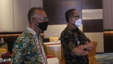 Photo of Jelang Pelantikan, Ikapakarti Kaltim Gelar Vaksinasi dan Wayang Kulit